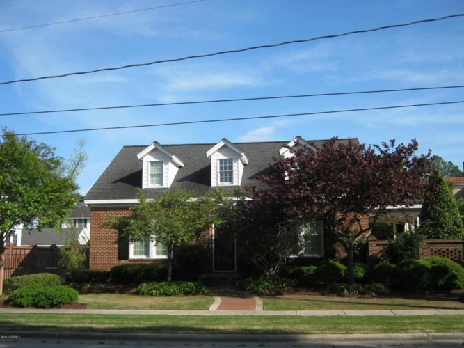 111 W Academy Street, Williamston, NC 27892