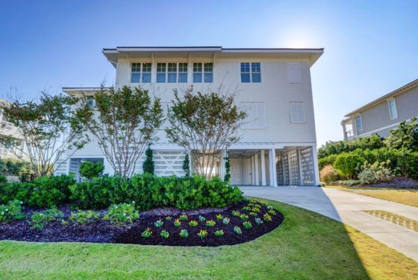 4 Beach S Road, Wilmington, NC 28411