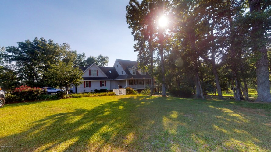 610 Holly Hill Road, Hampstead, NC 28443