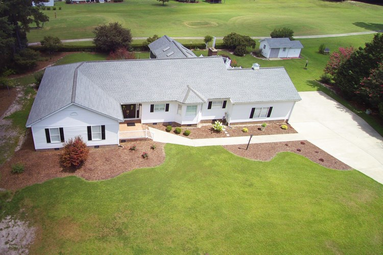 1065 Oakdale Drive, Williamston, NC 27892