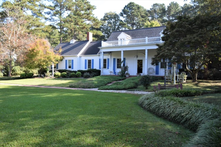 402 S Main Street, Robersonville, NC 27871