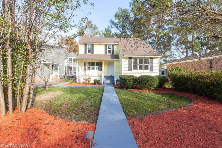 2313 Waccamaw Shores Road, Lake Waccamaw, NC 28450