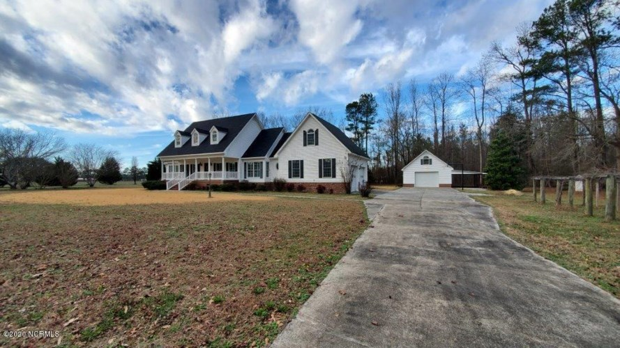 1805 Maurice Brown Road, Jamesville, NC 27846