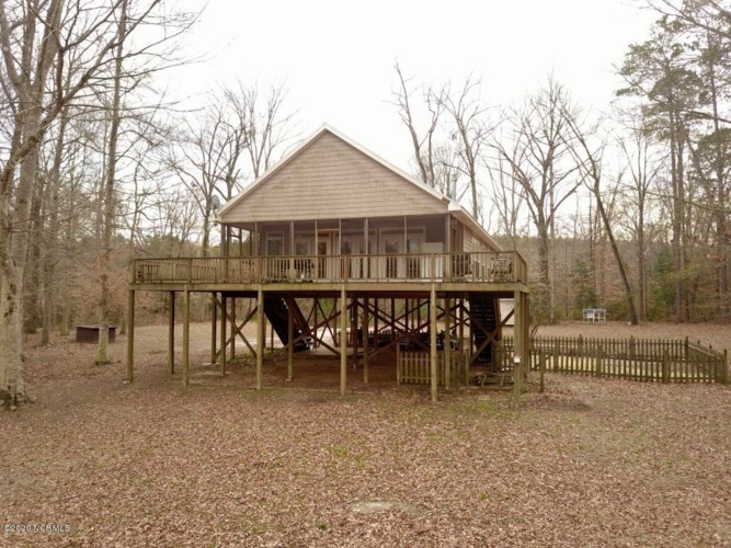 679 Tar Heel Ferry Road, White Oak, NC 28399