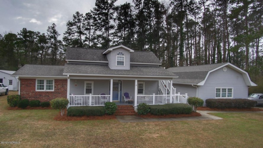 6989 Hughes-Smith Road NW, Ash, NC 28420