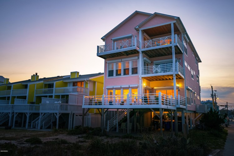 818 Carolina Beach Avenue N #100, Carolina Beach, NC 28428