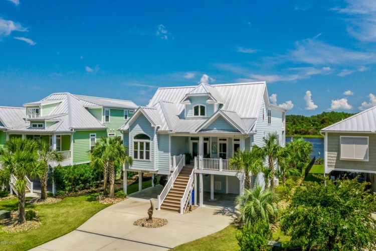 1704 E Yacht Drive, Oak Island, NC 28465