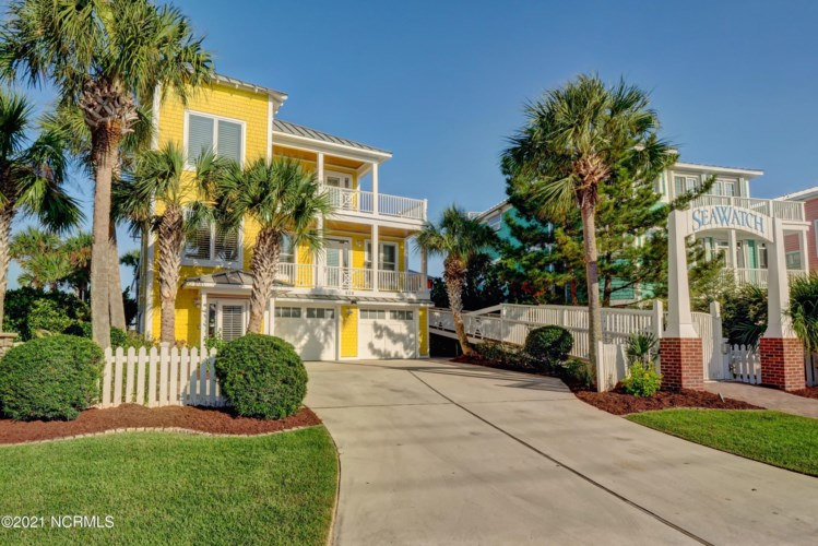 608 Fort Fisher Boulevard N, Kure Beach, NC 28449
