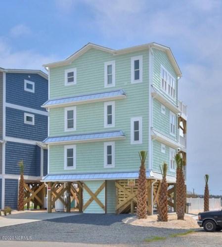 809 Ocean Drive, Oak Island, NC 28465