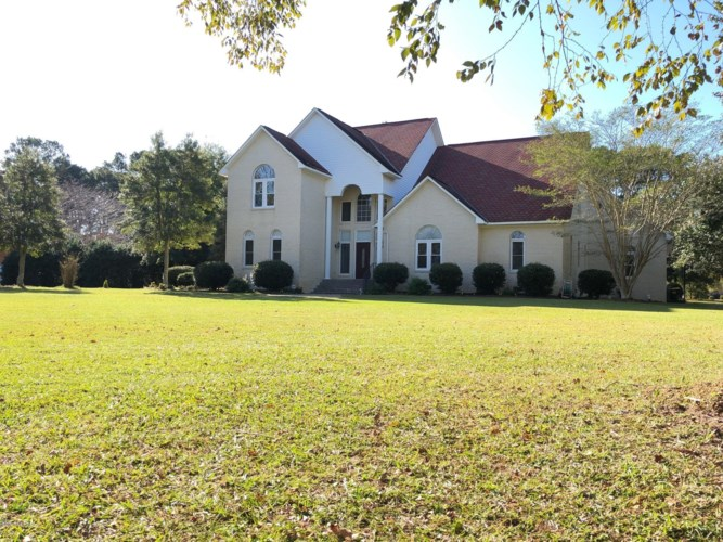 4100 Sterling Trace Drive, Winterville, NC 28590