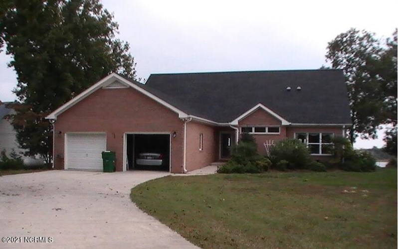 118 Inlet Court, Hampstead, NC 28443