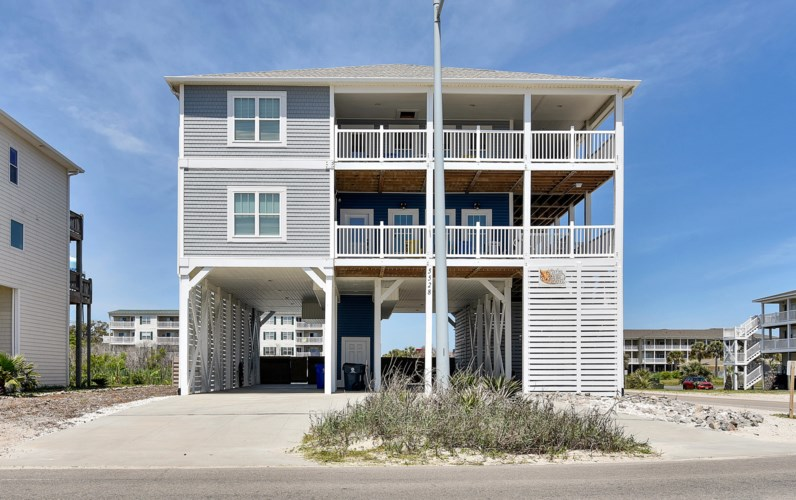 5528 E Beach Drive, Oak Island, NC 28465