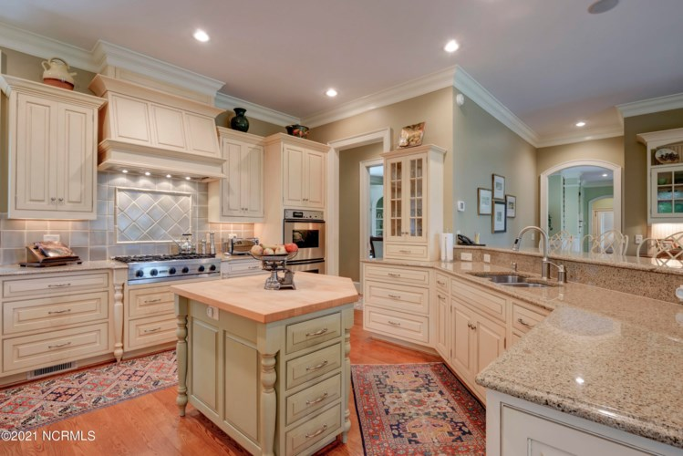 824 Gull Point Road, Wilmington, NC 28405