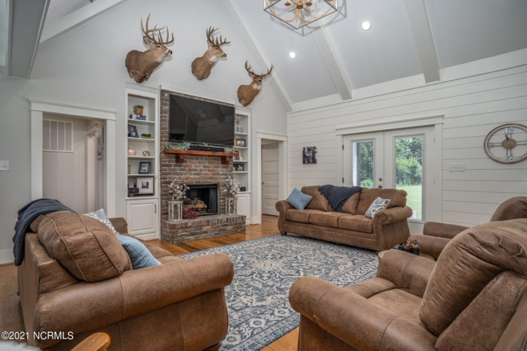 1575 Bend Of The River Road, Elm City, NC 27822