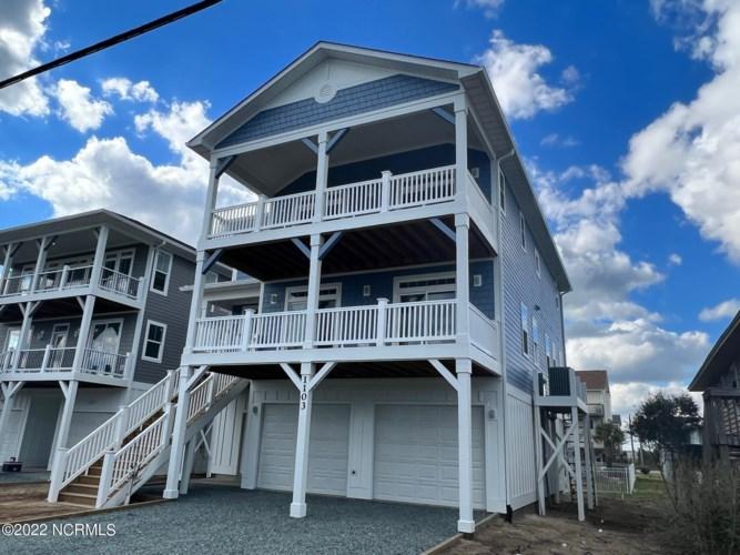 1103 N Topsail Drive, Surf City, NC 28445
