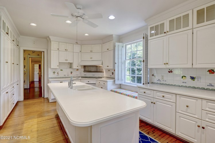 807 Forest Hills Drive, Wilmington, NC 28403