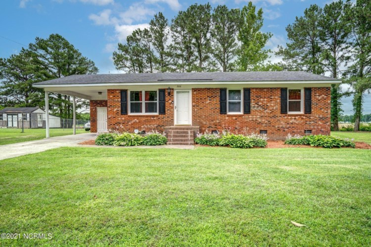 2868 Clemmons School Road, Stokes, NC 27884
