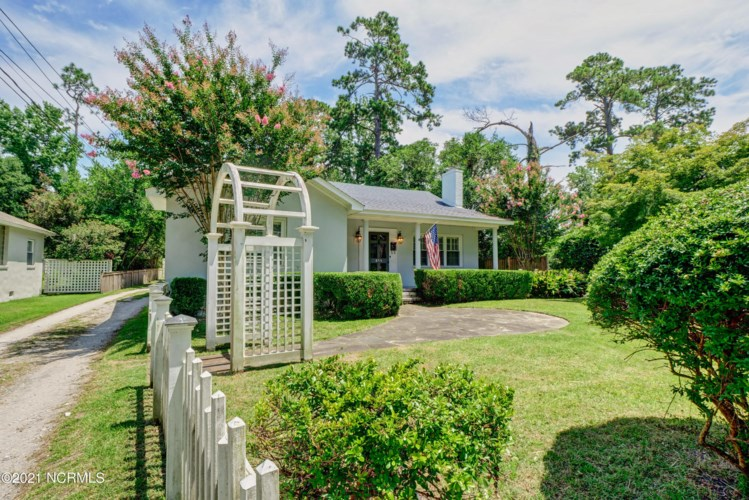 813 Colonial Drive, Wilmington, NC 28403