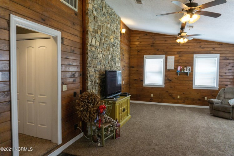 139 Quinn Store Road, Beulaville, NC 28518