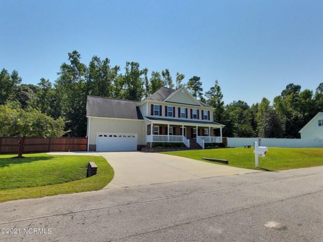 140 Farmington Drive, Richlands, NC 28574