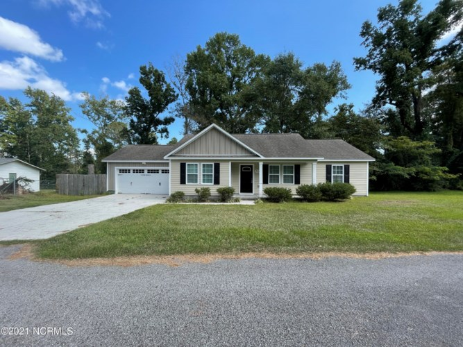 1819 Burgaw Highway, Jacksonville, NC 28540