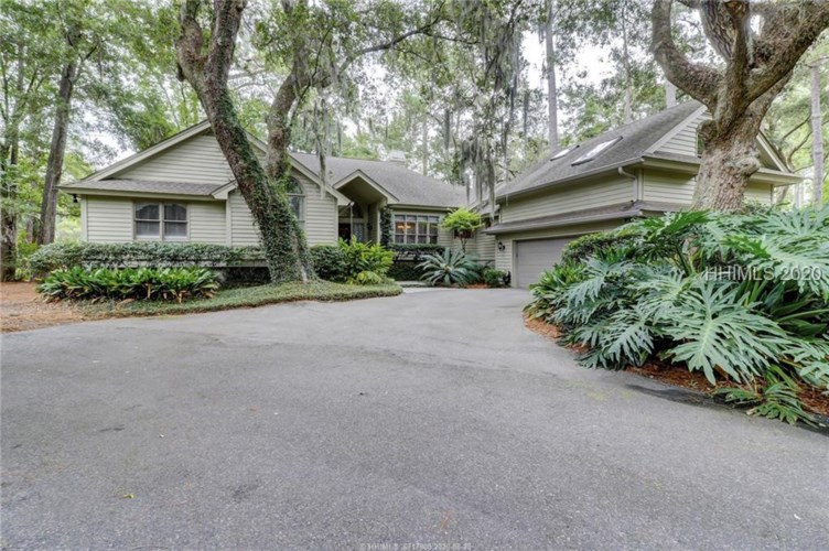 11 Willow Oak Road, Hilton Head Island, SC 29928