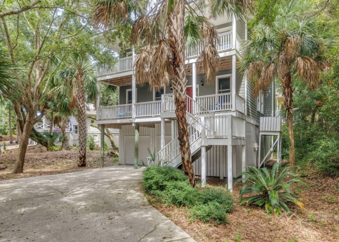 9 Fairway Oaks Lane Unit 1/8, Isle of Palms, SC 29451