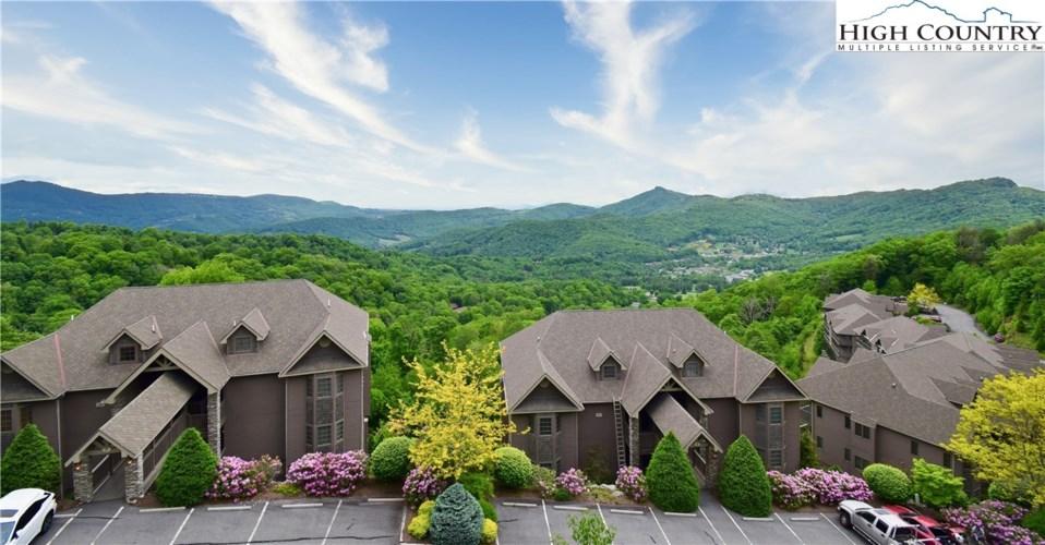 228 Pleasant View  #8B, Sugar Mountain, NC 28604
