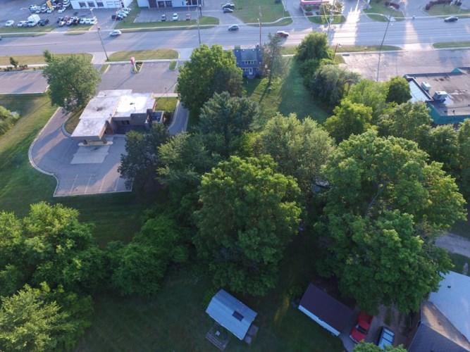 7026 S Cedar St, Lansing, MI 48911