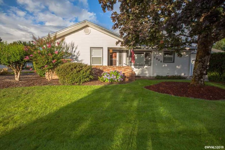 1325 Center St, Albany, OR 97322
