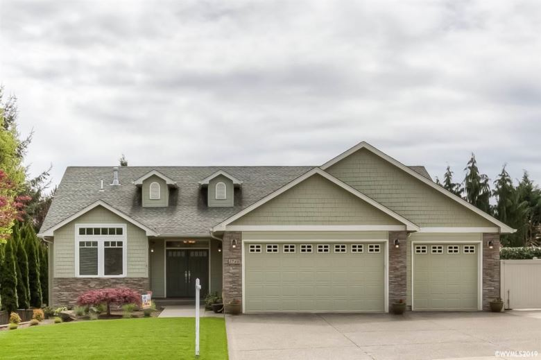 1746 Chapman Hill Dr NW, Salem, OR 97304