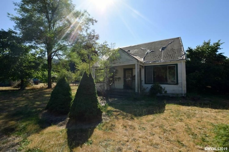 275 8th St, Lyons, OR 97358