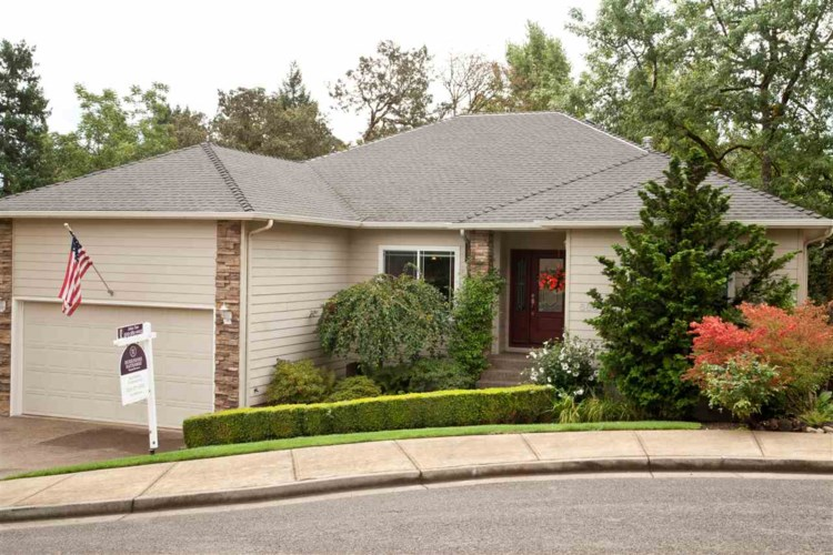 586 Eagle View Dr NW, Salem, OR 97304