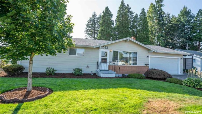 1083 N Douglas St, Stayton, OR 97383