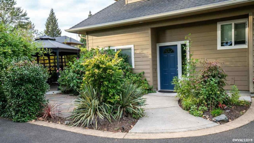 2773 Front St, Salem, OR 97301