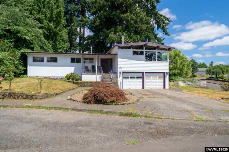 1253 Scenic View Ct, Stayton, OR 97383