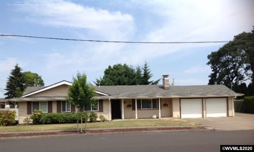 1075 W Regis St, Stayton, OR 97383