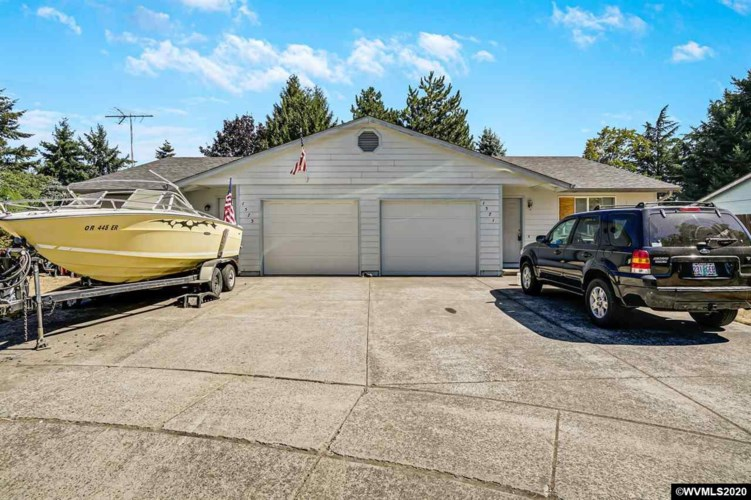 1571 Jay (-1573) Ct, Stayton, OR 97383