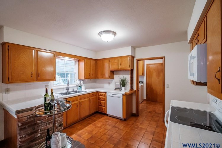 3884 Orchard Heights Pl NW, Salem, OR 97304