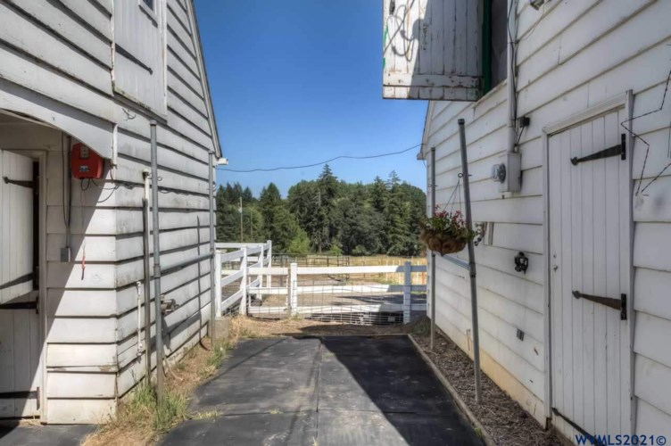 1460 Wallace Rd NW, Salem, OR 97304