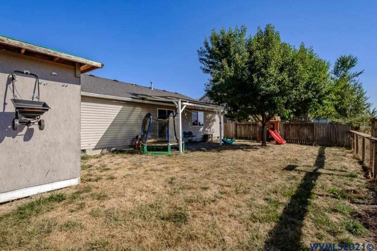 1638 7th St, Independence, OR 97351