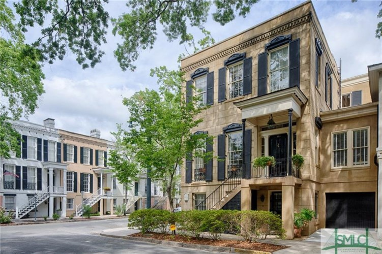 424 Barnard Street, Savannah, GA 31401