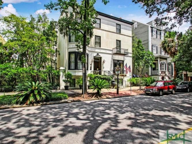 14 E Oglethorpe Avenue, Savannah, GA 31401