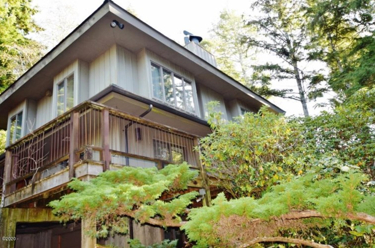 490 Fairway Dr, Gleneden Beach, OR 97388