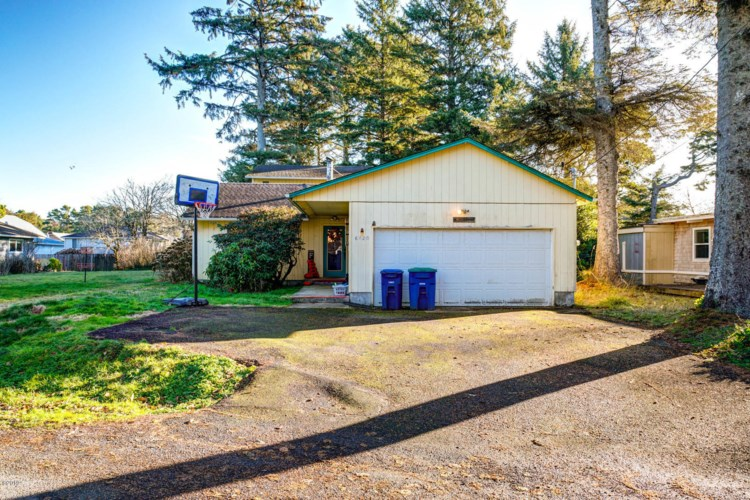 6820 Salal Ave, Gleneden Beach, OR 97388