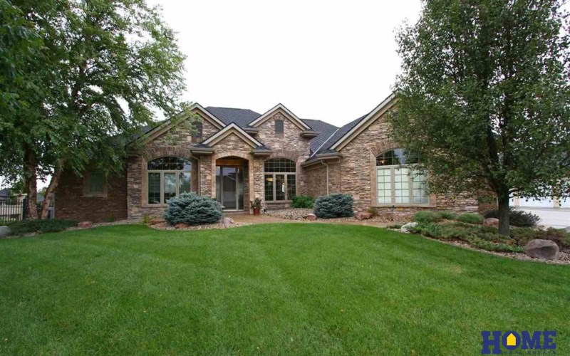 5030 Sawgrass Drive, Lincoln, NE 68526
