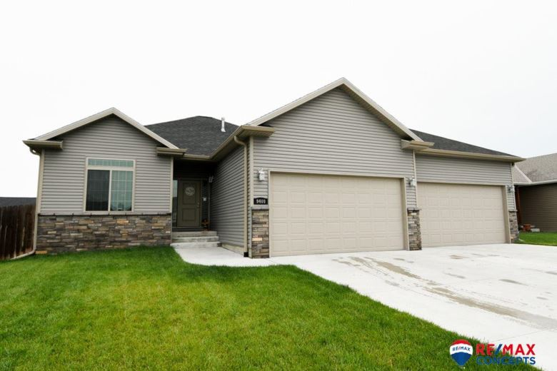 9400 Eagleton Lane, Lincoln, NE 68505