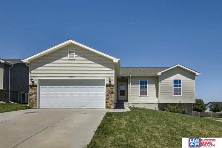 4310 W Thatcher Lane, Lincoln, NE 68528