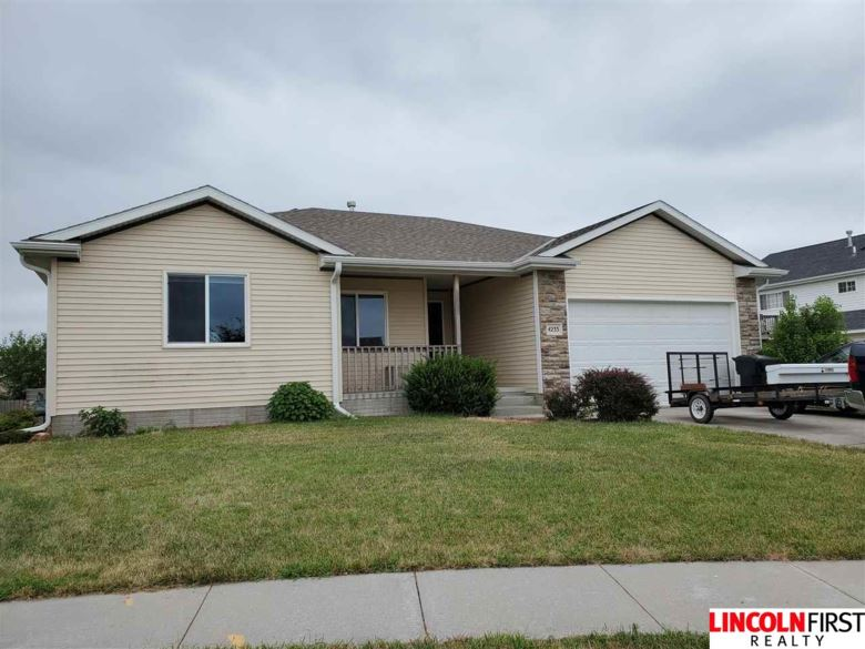 4233 W Billy Court, Lincoln, NE 68524