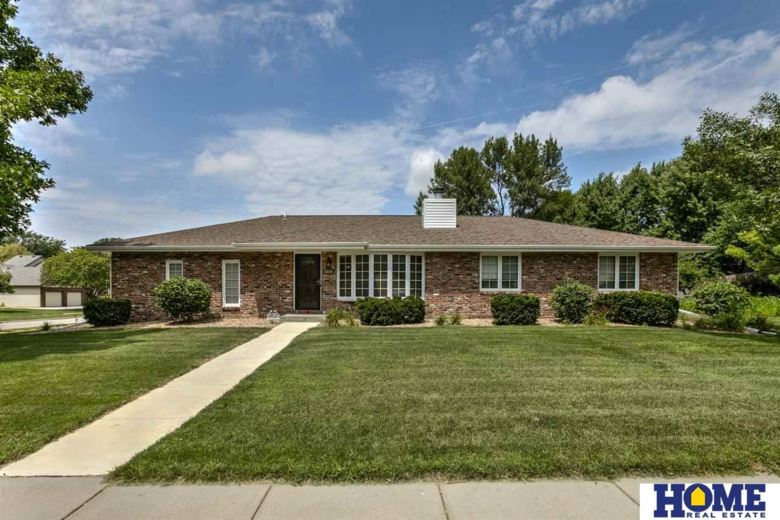 4636 Fir Hollow Lane, Lincoln, NE 68516
